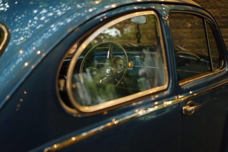 armaturenbrett-auto-blau-67092
