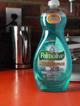 Multitasking with Palmolive® Multi Surface