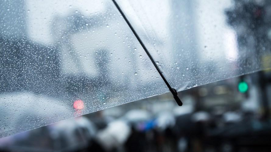 雨の日や梅雨時のつらい頭痛やめまいの原因と改善、解消する方法