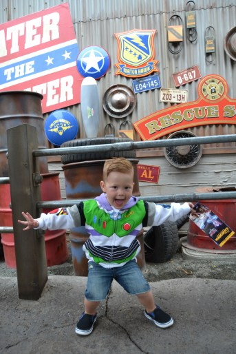 buzz evan cars land