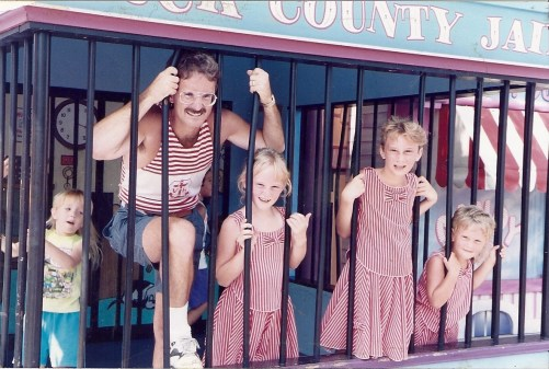 Tom and three girls Toon Town jail 1992