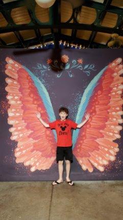 Evan wings DCA