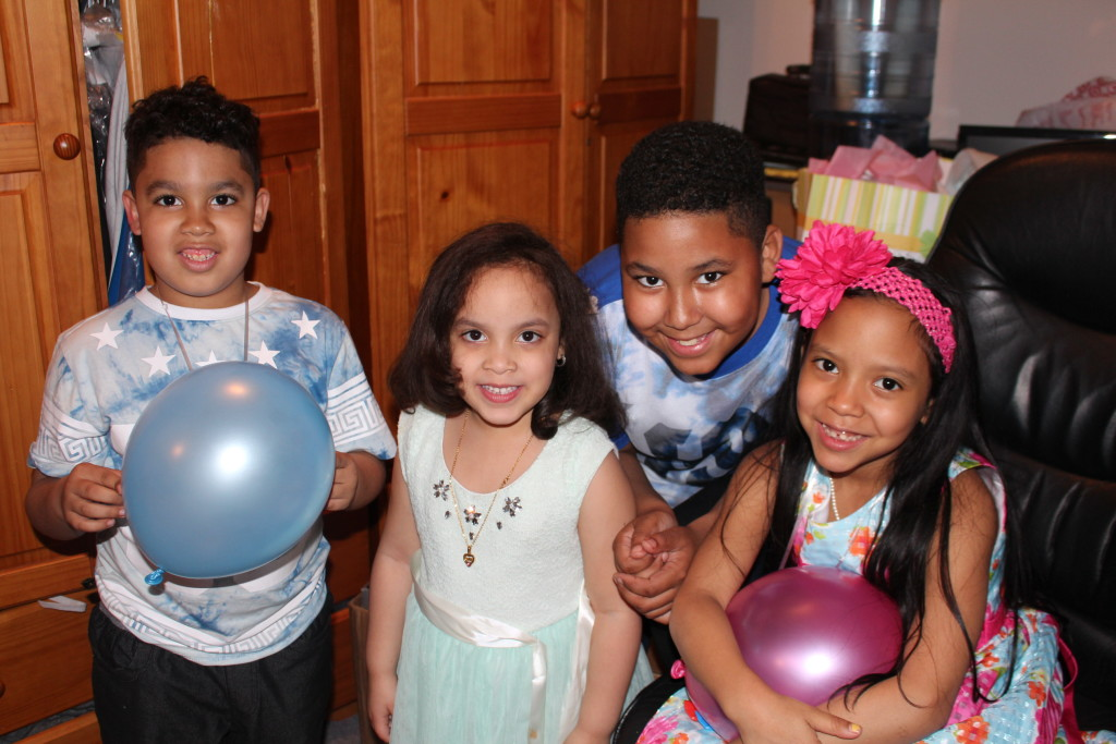 my daughter with her cousins