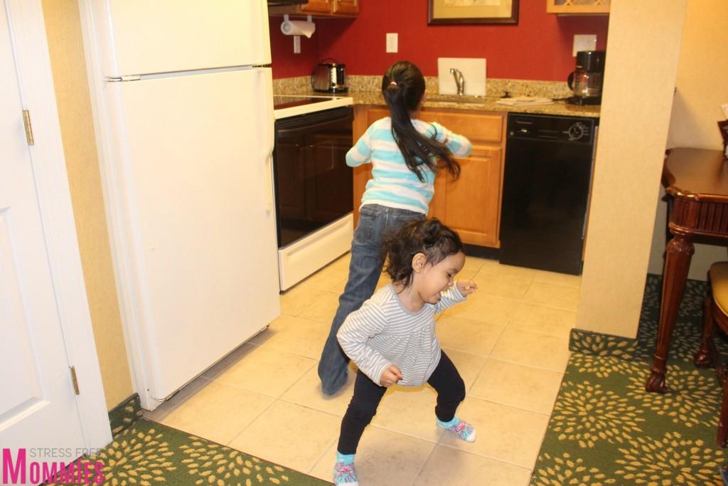 happy kids in marriott hotel