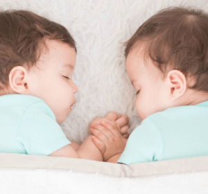 An easy and comprehensive guide to help you have your twins on the same sleeping schedule. It will save you time and sanity, a must read!