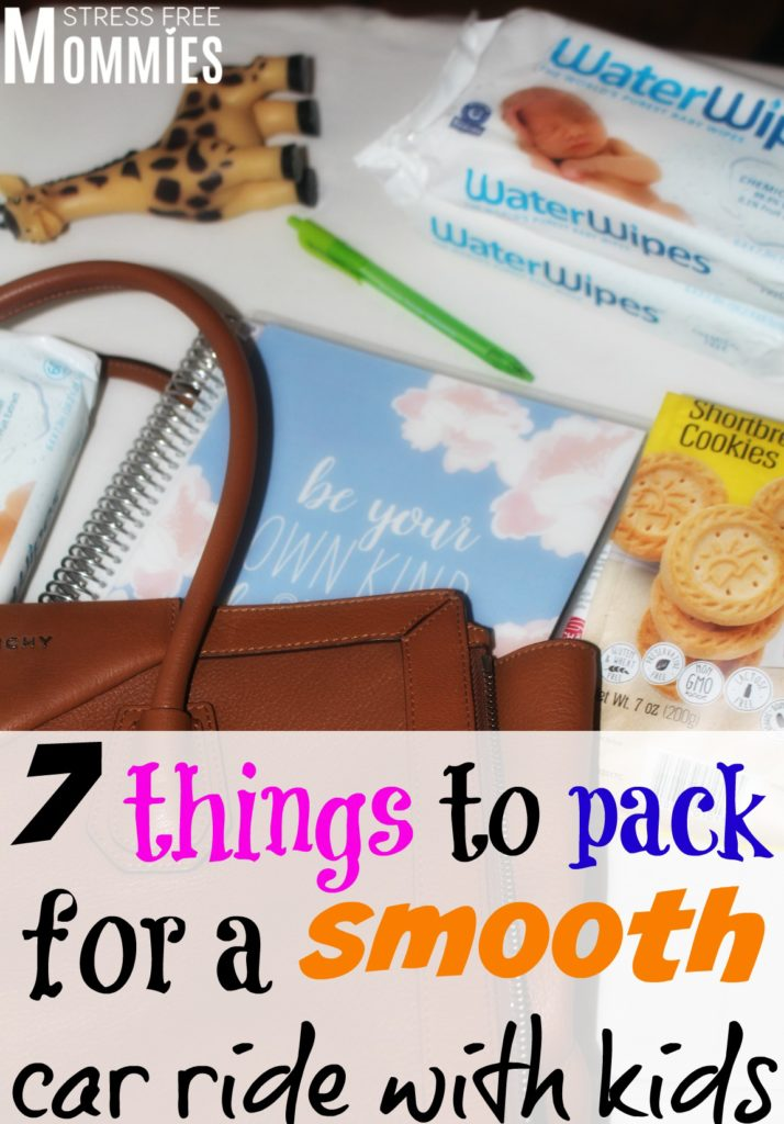 7 things to pack for a smooth car ride with kids- Car rides with your kids can be exhausting or even stressful. But it doesn't have to be that way! These awsome tips will help you have a smooth car ride with your kids. Check out these 7 things that you must pack when traveling with kids, you'll be glad you did :)