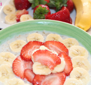 kid approved oatmeal with fruits- This delicious and super easy to make oatmeal with fruits will become a family favorite. Sometimes oatmeal can be a bit boring to eat, specially for kids but by adding their favorite fruits in it, it transforms it! Try this kid approved oatmeal with fruits and guess what? My kids can't get enough of it!