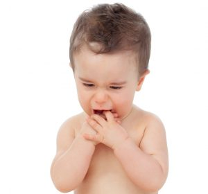 5 simple ways to soothe your teething baby- Is your baby cranky, crying most of the day and drooling? Your baby is most likely teething and I know that following these simple and helpful ways, will ensure a more calm and happy baby. Teething is not fun for you or your baby, read these tips that will guarantee help you! Pin now :)