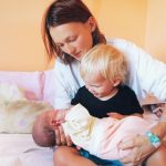 what to do when visiting a new mom