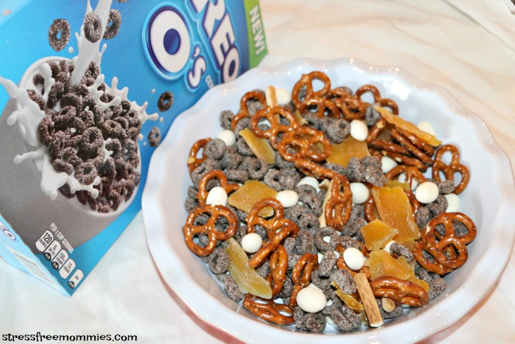 super easy after school snack mix