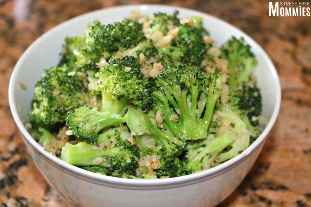 broccoli with garlic side dish