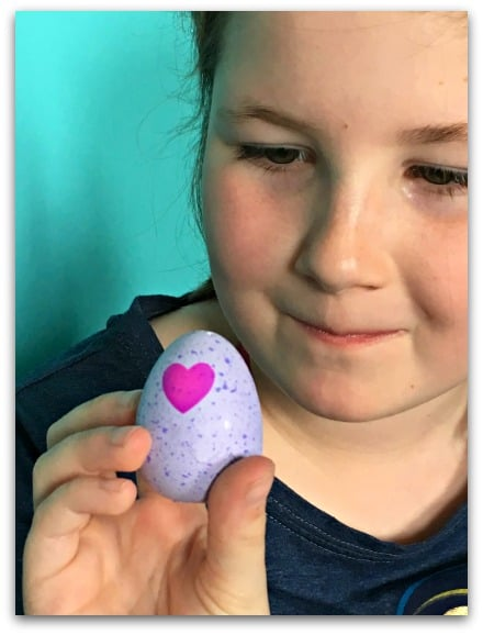 Hatchimals CollEGGtible ready to hatch