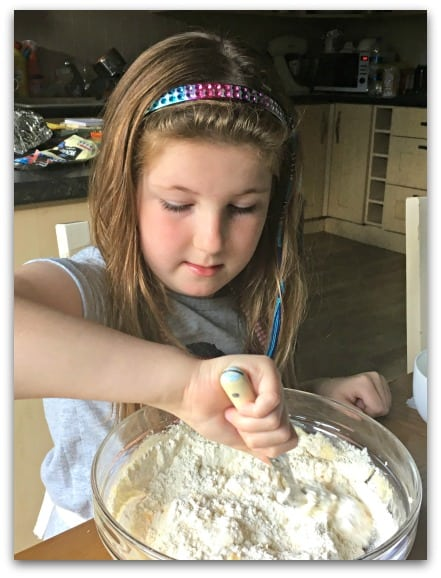 My daughter loves making cupcakes and this new Dr Oetker recipe is amazing