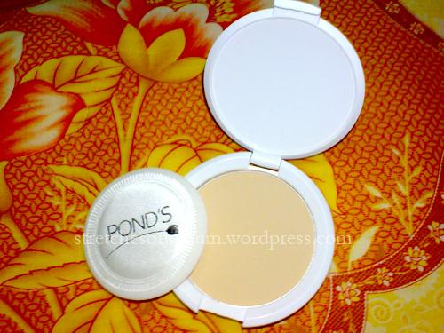 Pond's White Beauty Pinkish-White Glow Lightening Compact Powder (3/3)