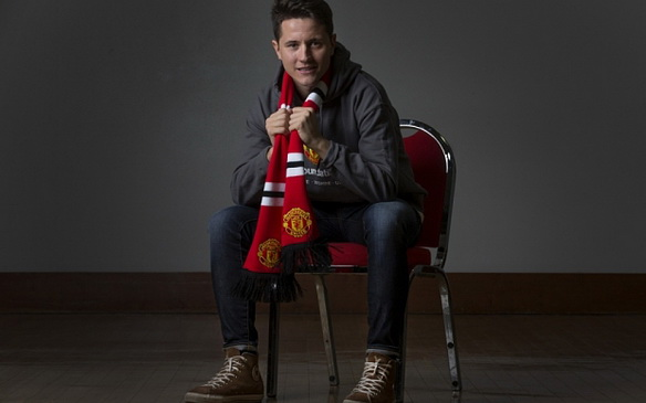 Mcc0060551.   ** FOR HENRY WINTER ARTICLE - Commission Mcc0060551. Manchester United's Ander Herrera following a Manchester United Foundation event with pupils from Astley Sports College, Dukinfield, Manchester, at Old Trafford.  Picture by Dave Thompson - 07711 459404