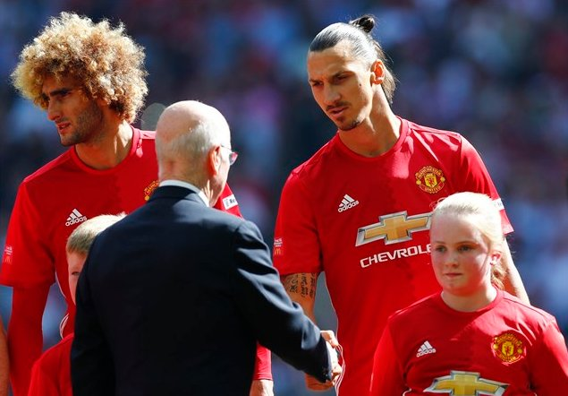 Maybe Fellaini is 6' 4""