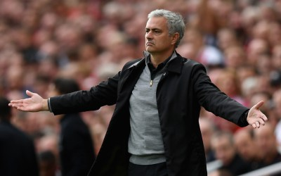 Manchester United set to miss out on target as rivals near agreement