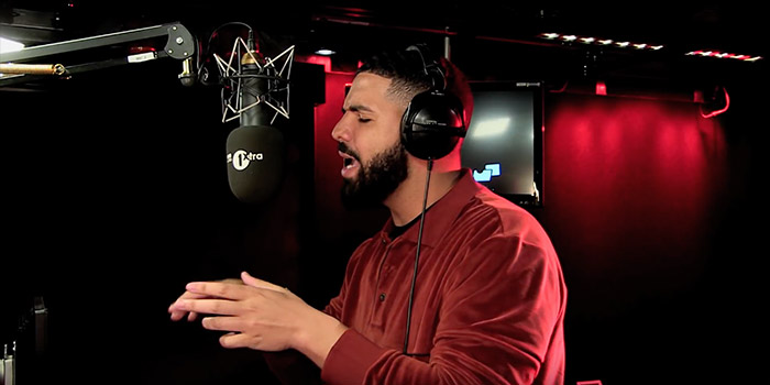 """Watch Drake's BBC Radio 1 """"Fire In The Booth"""" Freestyle"""""""