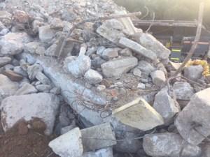 Striker crushing recycling concrete