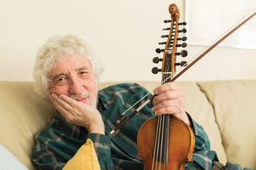 """Fiddler Richard Greene invented the fiddle technique known as """"the chop."""""""