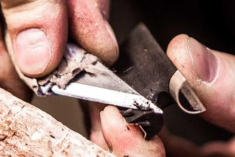Carving a Partones ebony-alternative frog
