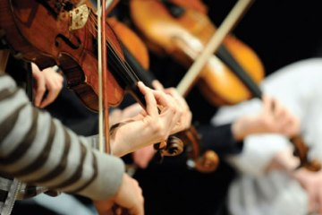 violinists playing - practice tips article
