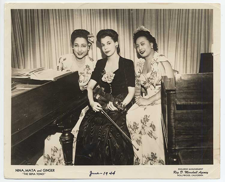 Jazz violinist Ginger Smock with her group The Sepia Tones in 1944