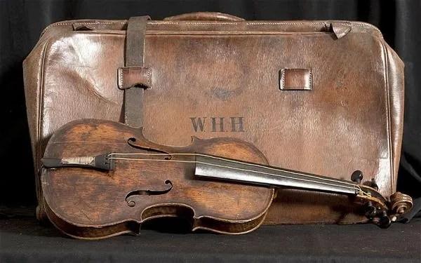 Titanic-violin_2509384b_xlarge