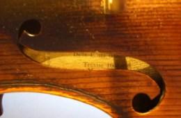 Violin label close up through f hole