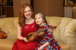 Rachel Barton Pine and daughter Sylvia-Teresa Crawford photo