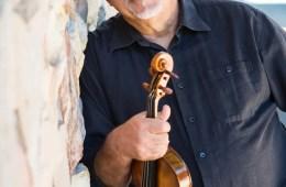 Violinist Jeremy Cohen