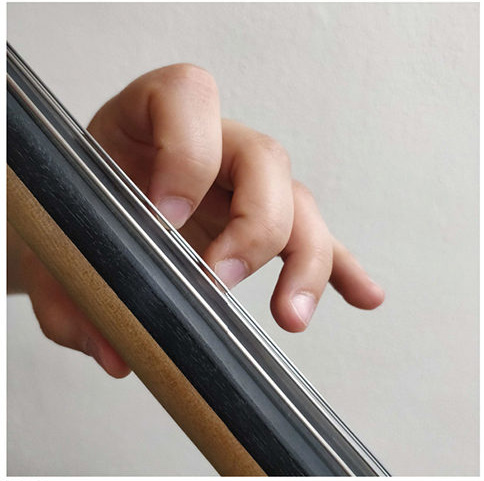 collapsing third and fourth finger on cello fig 3-2