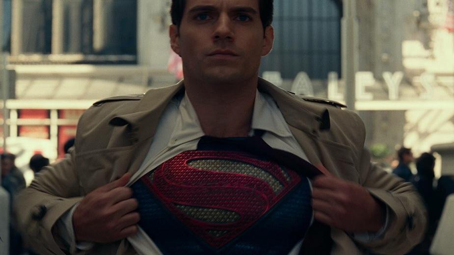 Henry Cavill tvrdi da je i dalje DC-ijev Supermen strip blog