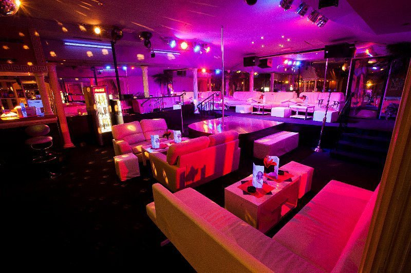 Maxim Wien Strip Club inside