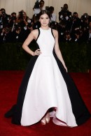 Hailee Steinfeld is my #1 favorite from the Met Gala. She's, what?, like 17?! Gahh. Anyway.. It's simple, very white tie, big & gorgeous, but the paneling of the colors make the waist slim. LOVE. { Prabal Gurung }
