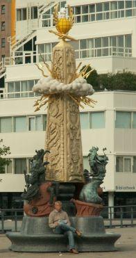 Standbeeld Marten Toonder