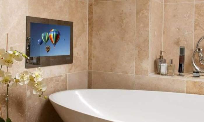 Встроенный телевизор в ванной