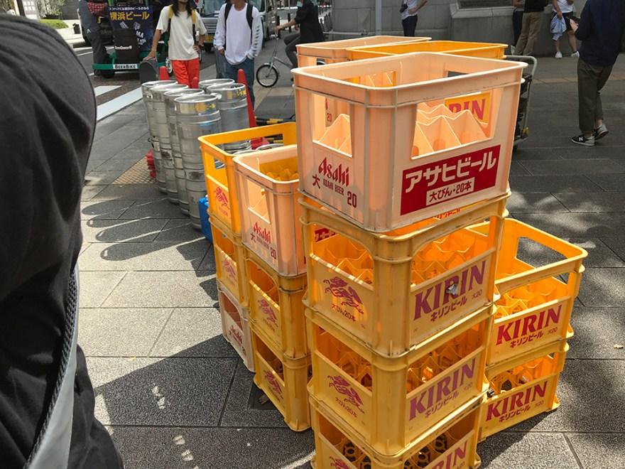 カーゴバイクレースに使う荷物(ビールケース、ビア樽他)