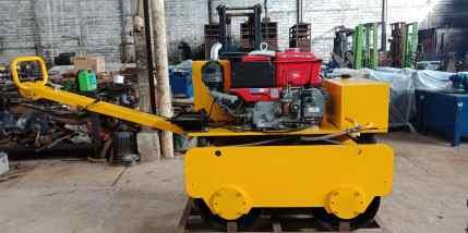 Vibration roller Strong mesin Kubota electric starter