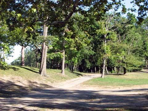 delaware-park-path