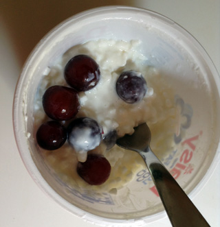 cottage cheese with grapes