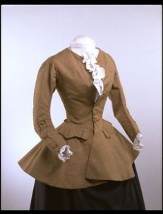 Women's Riding Coat, 1750s. Image V&A Museum.