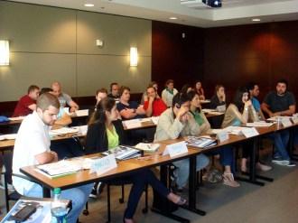 (28/08) Durante a aula inaugural todos se apresentam e discutem o que esperam do curso.
