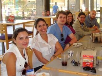 (29/08)Os tradutores Luiz Fernando e Rebecca