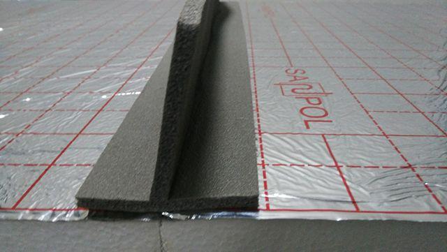 T-formade spjällband delar konturer och lokaler