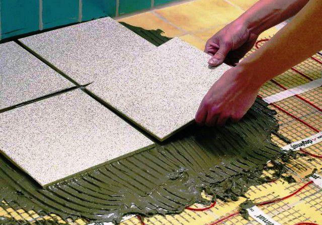 Bagaimana membuat lantai hangat listrik di bawah ubin melakukannya sendiri