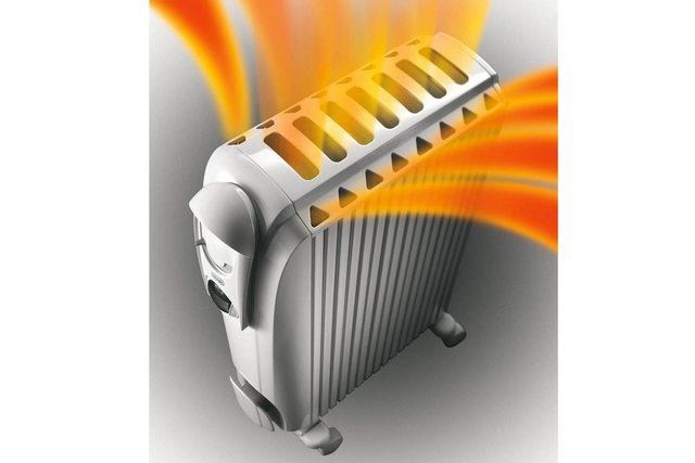 Kotelon alkuperäinen muoto pystysuorilla kanavilla lisää öljypatterin toiminnallisuutta myös mahdollisuuden lämmityskomentoon.