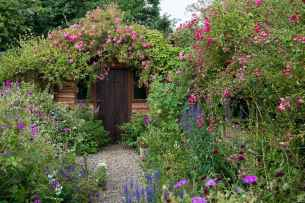 39 stunning small cottage garden ideas for backyard inspiration