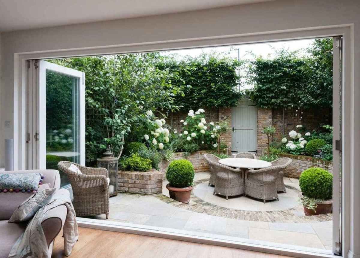 83 small courtyard garden with seating area design ideas
