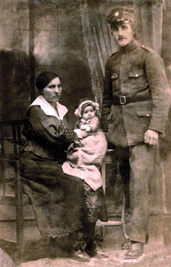 Stanisław Tarczewski, <br>Powstaniec Wielkopolski, z żoną Stanisławą i córką